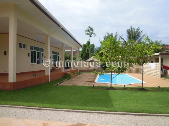 House for sale in Vientiane LAOS-swimming pool
